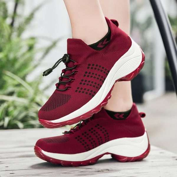 Chunky sole sports shoes for women with high impact resistance sole