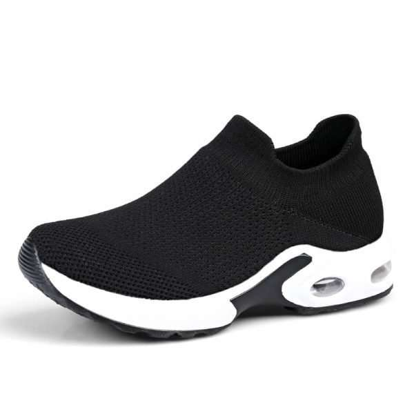 Sports shoes for women with thick, high, flexible and non-slip sole
