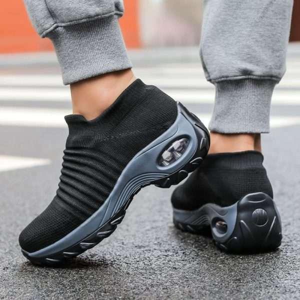 Women's sports walking shoes